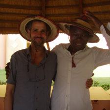 KNISTERN DER ZEIT: Das afrikanische Operndorf von Christoph Schlingensief. Ein Gespräch mit Kunstwissenschaftler Marcel Bleuler